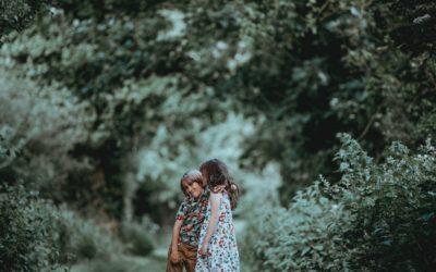Résoudre les conflits à la manière Montessori : la table de paix