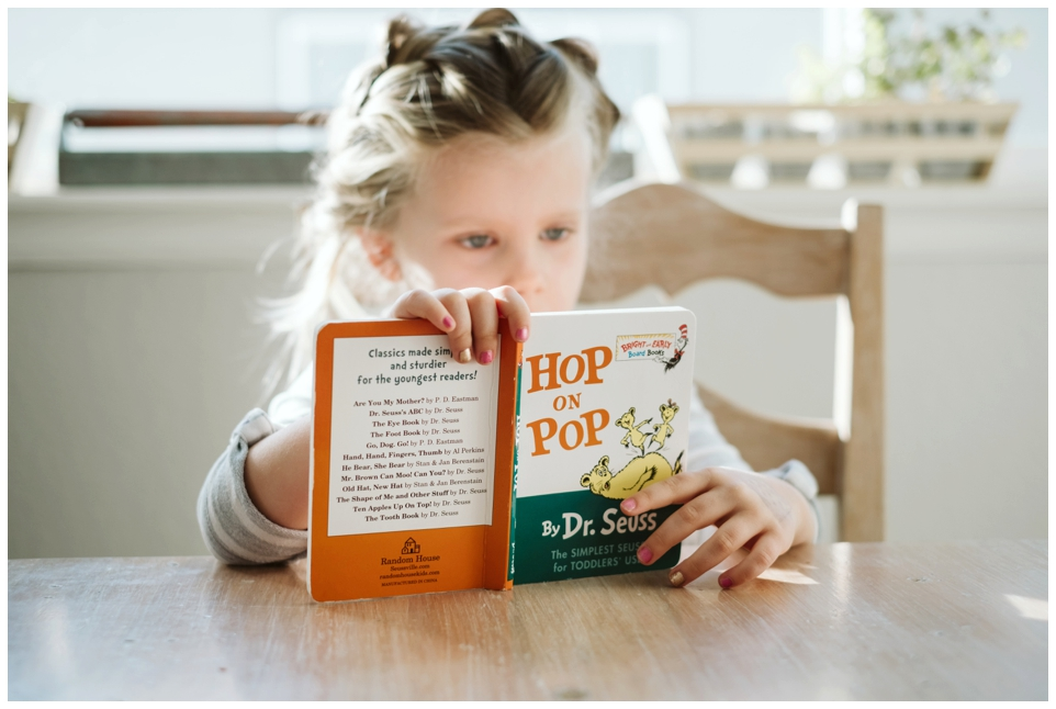 Faire une éducation bilingue Montessori à la maison